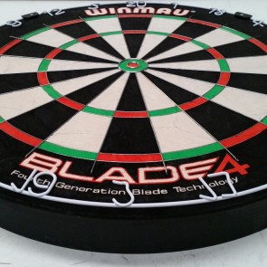 Professional Level Winmau Blade 4 Bristle DARTBOARD - 50% Thinner Dynamic Sector Wire
