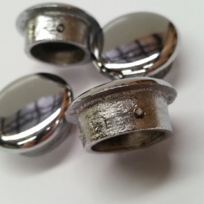 (SINGLE) 1 VICTORIAN CHROME BOLT BUTTON - 32mm