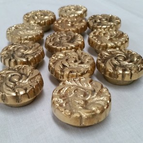 (12) ROSE BRASS BOLT BUTTON - 38mm