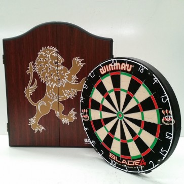 Professional Level Winmau Blade 5 DARTBOARD with Lion CABINET & 6 DARTS