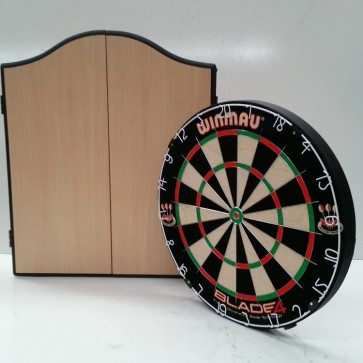 Professional Level Winmau Blade 5 DARTBOARD with Beech CABINET & 6 DARTS