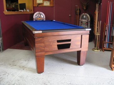 Hotel Style 7 Ft Pool Table With Accessories